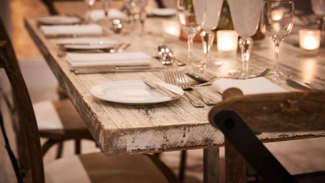 White-Wash-Table-Detail-Black